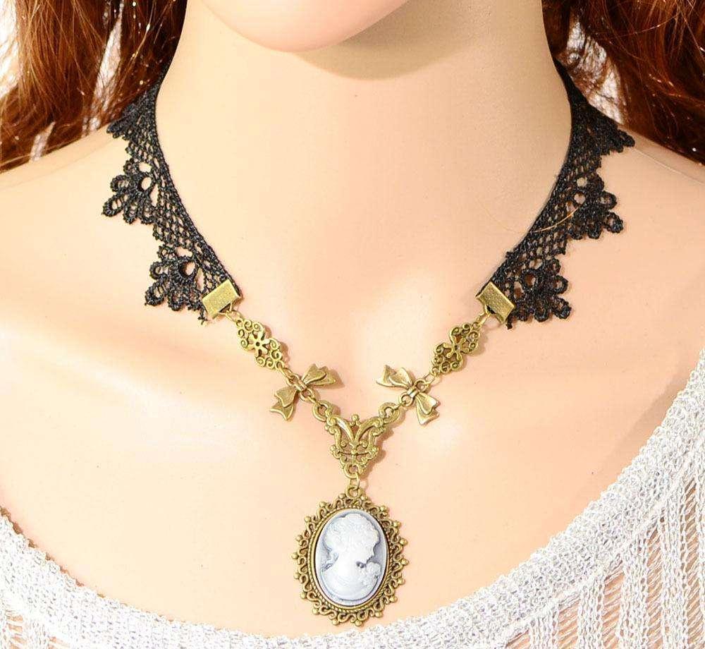 Thick necklace; thick necklace outfit; thick necklace beautiful; thick necklace fashion
