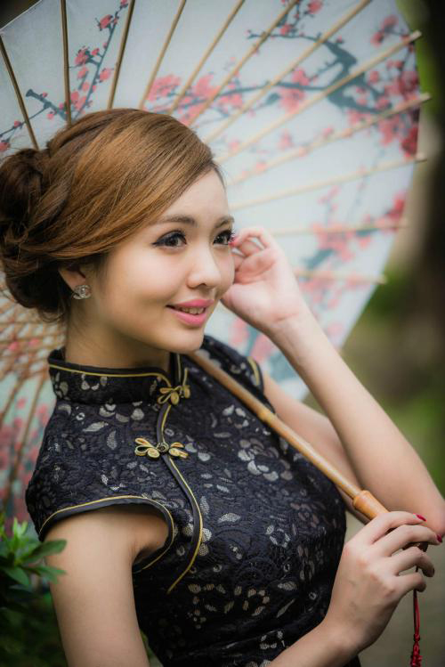 Cheongsam; Temperament Clothing; Chinese Costumes; Classical Costumes; Cheongsam Design; Wedding Cheongsam; Cheongsam Skirt;Traditional Costumes; Chinese Elements; Chinese Culture; Hanfu